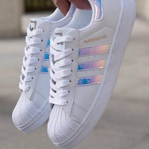 superior quality 45682 4b7f7 Holographic Adidas Superstars
